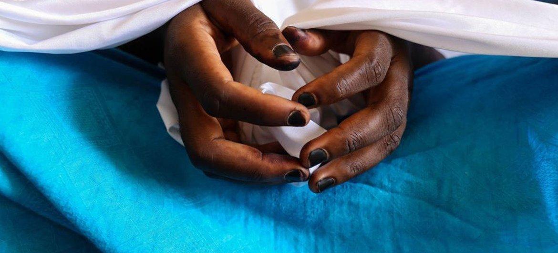 Umas das dezenas de meninas capturadas em 2014 em Chibok, na Nigéria, relatando experiências de dois anos de vida com grupos armados