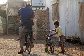 Desde que o primeiro caso foi confirmado entre refugiados na Jordânia em setembro do ano passado, foram detectados mais 1.928 casos