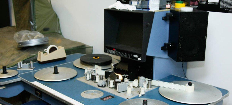 Una máquina analógica de edición de películas en los archivos del Departamento de Información Pública de la ONU. Foto: ONU/JC McIlwaine