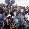 Refugiados sursudaneses llegan a Uganda tras huir de su país por la violencia. Foto:  Samuel Okiror/IRIN