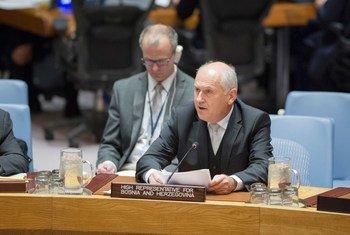 联合国波黑问题高级代表因兹科。