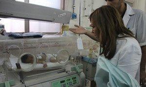 UNICEF representative in Syria Hanaa Singer visits the Aleppo University Hospital.