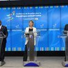 De izquierda a derecha, el presidente de la República Centroafricana, Faustin-Archange Touadéra, la Alta Representante de la Unión Europea para la Política Exterior,  Federica Mogherini, y el vicesecretario general de la ONU, Jan Eliasson. Foto: UNRIC Bruselas