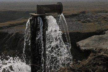 Une infrastructure hydraulique dans la vallée rurale de Ferghana, en Ouzbékistan.