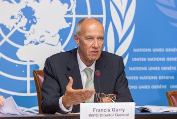 El director general de la Organización Mundial de la Propiedad Intelectual (OMPI), Francis Gurry, se dirige hoy a la prensa en la presentación del informe anual en Ginebra. Foto: OMPI
