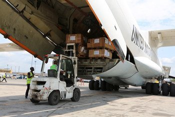 Election materiel being loaded in Kinshasa, Democratic Republic of the Congo (DRC), onto an aircraft of MONUSCO to be routed to Lubumbashi.