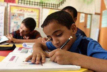 حرم ما يقدر ب 40 في المائة من الأطفال في سن المدرسة في المنطقة العربية من التعليم بسبب الصراع. المصدر: برنامج الأمم المتحدة الإنمائي
