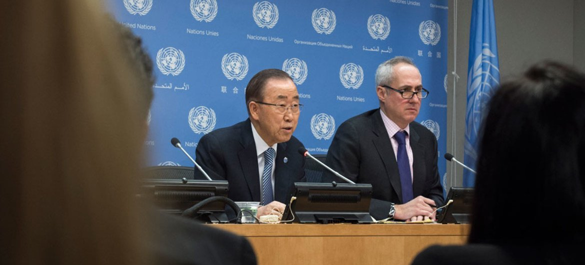 Secretary-General Ban Ki-moon (left) addresses a press conference, his last at United Nations headquarters, as his term of office draws to a close at the end of the year. At his side is his Spokesperson, Stéphane Dujarric.