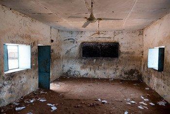 Разрушенная школа   в Южном  Судане.  Фото ЮНИСЕФ/Себастьян Рич