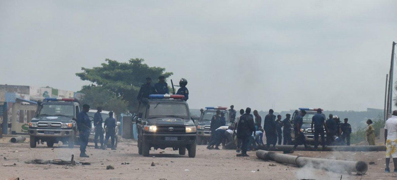 Des forces de sécurité en attente à Kinshasa pendants les manifestations en République démocratique du Congo (RDC) des 19 et 20 décembre 2016 (archives).