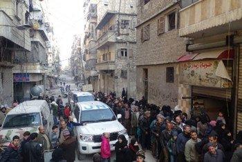La evacuación de civiles y combatientes de Alepo oriental es una carrera contra el reloj, señaló el enviado de la ONU. Foto: PMA/Hani Al Homsh
