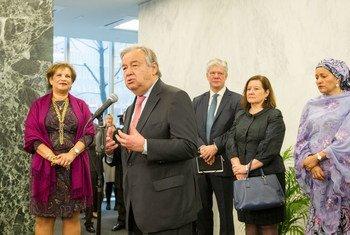 El nuevo Secretario General de la ONU, António Guterres, se dirige al personal de la ONU.