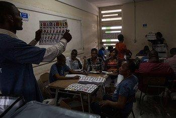Conteo de votos en Haití. Foto: ONU/MINUSTAH/Logan Abassi