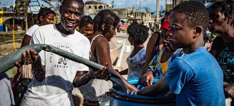 联合国儿基会与海地政府合作保证居民获得健康饮用水。