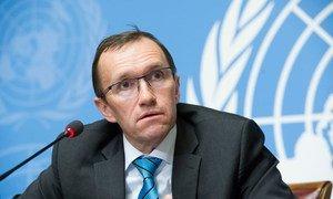 Le Conseiller spécial sur Chypre, Espen Barth Eide, devant la presse à Genève. Photo ONU/Violaine Martin