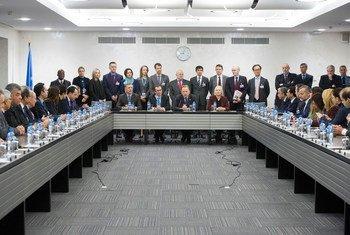 Négociations sur Chypre à Genève: le dirigeant chypriote grec, Nico Anastasiades, et le dirigeant chypriote turc, Mustafa Akinci, rencontrent le Directeur général de l'Office des Nations Unies à genève, Michael Møller, et le Conseiller spécial du Secrétaire général pour Chypre, Espen Barth Eide.