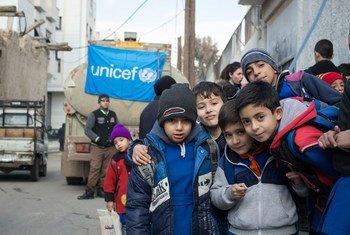 UNICEF lleva camiones con agua a escuelas de Damasco. Foto: UNICEF/Muhannad Al- Asadi
