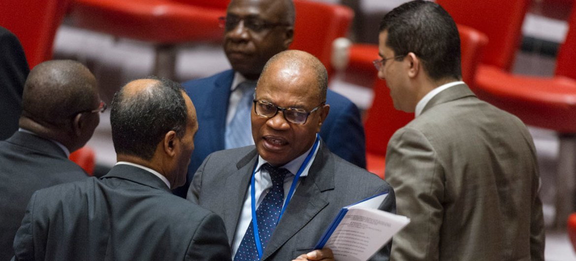 Mohammed Ibn Chambas (centre), Special Representative of the Secretary-General and Head of the United Nations Office for West Africa and the Sahel (UNOWAS), in the Security Council Chamber before his briefing to the Council.