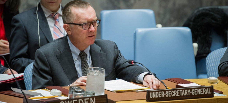 负责政治事务的副秘书长费尔特曼在安理会通报。联合国图片/Manuel Elias