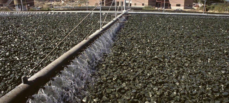 محطة لمعالجة مياه الصرف الصحي في دانبري، كونيتيكت في الولايات المتحدة. المصدر الأمم المتحدة / ايفان