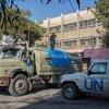 Un camión de UNICEF lleva agua a la escuela Mustafa Jwayed de Damasco, la capital siria. Foto: UNICEF/Muhannad Al- Asadi