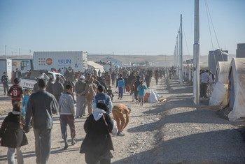 Des familles ayant fui Mossoul, en Iraq, arrivent dans le camp de déplacés de Khazir en novembre 2016. Photo UNICEF/Anmar