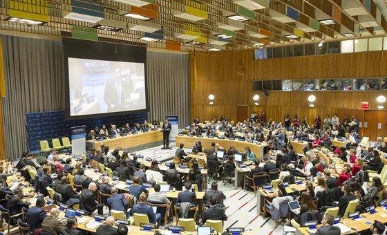 Foro de la Juventud en el ECOSOC. Foto: ONU/Rick Bajornas