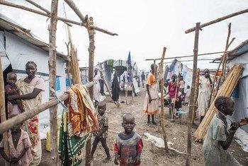 Watu walioathiriwa na mapigano ya wenyewe kwa wenyewe nchini Sudan Kusini wakiwa katika kambi ya Umoja wa Mataifa ya kulinda raia mjini Malakal