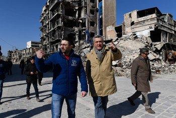 El Alto Comisionado de la ONU para los Refugiados, Filippo Grandi, durante una visita a Alepo, Siria. Foto de archivo: ACNUR/Bassam Diab