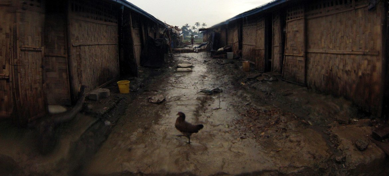 缅甸若开邦的一个国内流离失所者营地。 (file)