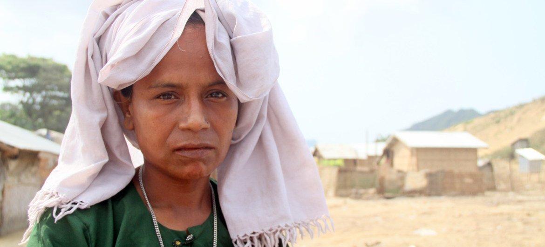 Женщина из числа  перемещенных лиц в штате Ракхайн   в Мьянме.  Фото Управления ООН по координации гуманитарных вопросов