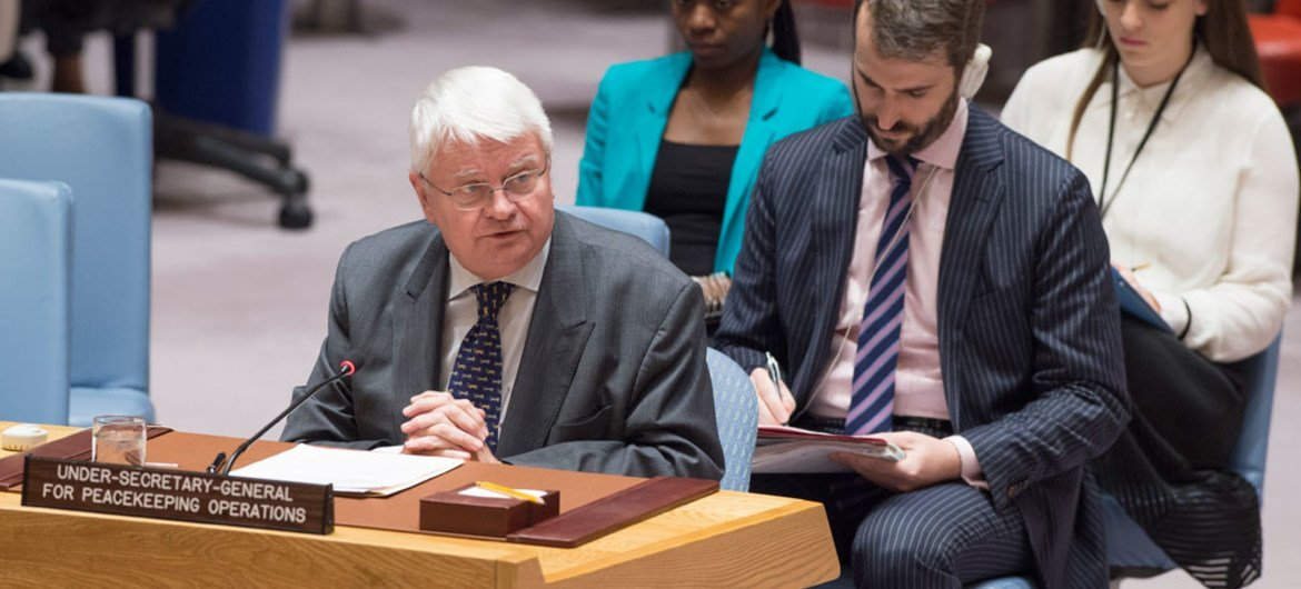 Under-Secretary-General for Peacekeeping Operations Hervé Ladsous briefs the Security Council on the situation in the Central African Republic (CAR).