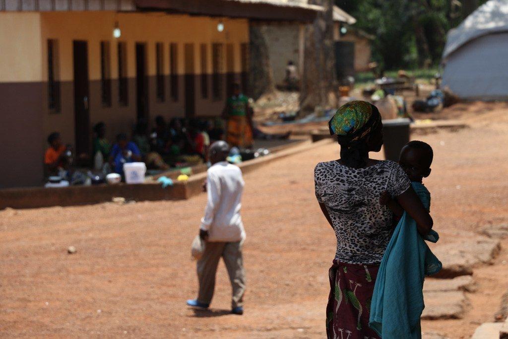 Scène de rue à Bambari, dans la préfecture de la Ouaka, en République centrafricaine. Un casque bleu de la MINUSCA a été tué dimanche à l'ouest de cette ville par des anti-balakas.