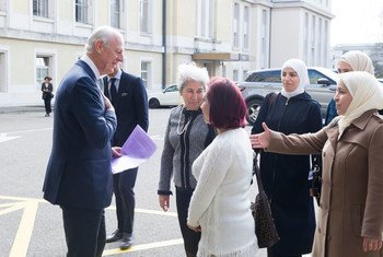 United Nations Special Envoy for Syria Staffan de Mistura welcomes a delegation of Syrian women during the Intra-Syrian talks, Geneva. 23 February 2017.