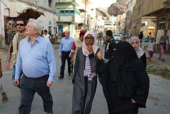 Stephen O'Brien, Under-Secretary-General for Humanitarian Affairs and Emergency Relief Coordinator visits IDP families living on the edge in Aden with nothing but the most rudimentary shelter Yemen.