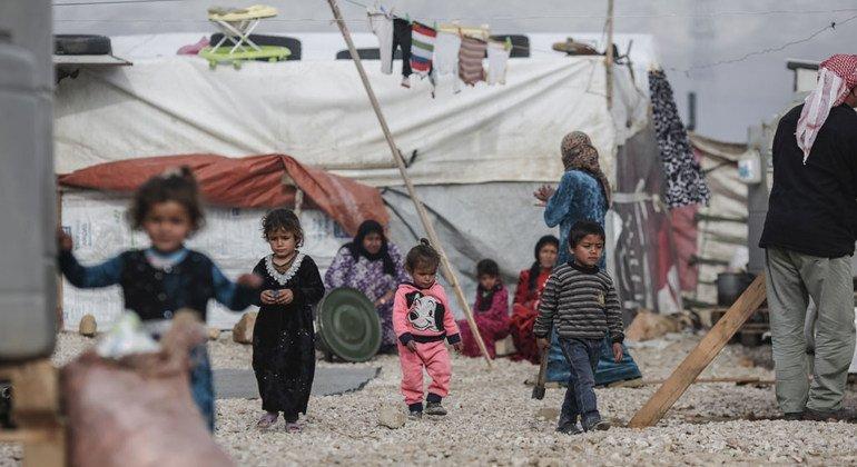 Niños sirios en un campo de refugiados del valle de Bekaa en el este de Líbano.