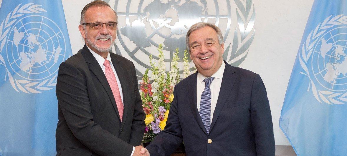联合国秘书长古特雷斯在纽约联合国总部与消除危地马拉有罪不罚现象国际委员会专员伊万 •贝拉斯克斯举行会晤。