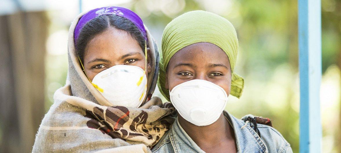 Mulheres que passam por tratamento contra a tuberculose na Etiópia