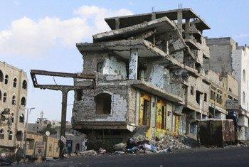 Yémen : une grande partie de Taëz a été détruite par deux années de combats acharnés. Samedi, un travailleur humanitaire du CICR est décédé suite à l'attaque de son véhicule par des assaillants armés non-identifiés