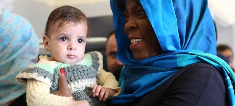 La Directrice exécutive du Programme alimentaire mondial des Nations Unies (PAM), Ertharin Cousin, lors d'une visite au Yémen.