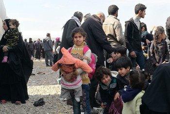 نازحون من غرب الموصل.