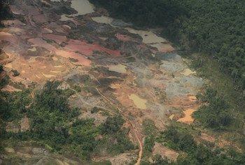 Daño ambiental por minería ilegal en la zona del río Quito, en el departamento del Chocó, en Colombia. Foto: UNEP