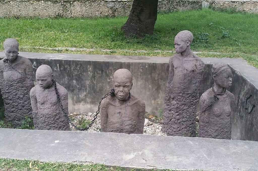 Monumento en recuerdo de las víctimas de la esclavitud en Stone Town, en Zanzíbar.