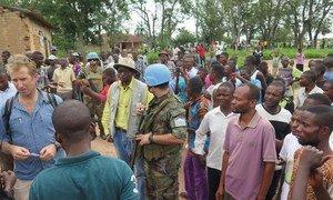 Dans la province du Kasaï Central, République démocratique du Congo (RDC), une mission de la MONUSCO a évalué la situation sécuritaire suite à des incursions par les miliciens Kamuina Nsapu. Photo MONUSCO / Bilaminou Alao