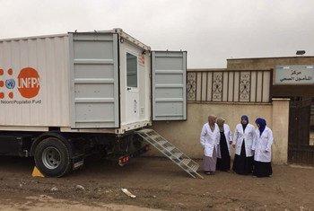 Une unité de distribution mobile de l'UNFPA à Mossoul, en Iraq, pour répondre aux besoins de soins de santé des femmes et des filles. Photo UNFPA