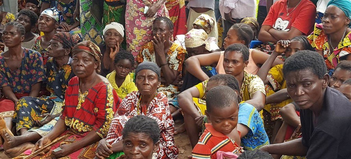 Returned persons from Kasala village, Kasaï Province, awaiting food distribution by the NGO COPROMOR and Christian Aid.