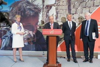 الأمين العام أنطونيو غوتيريش يتحدث في مؤتمر صحفي على هامش مؤتمر رفيع المستوى في جنيف لإعلان التعهدات لمساعدة اليمن.