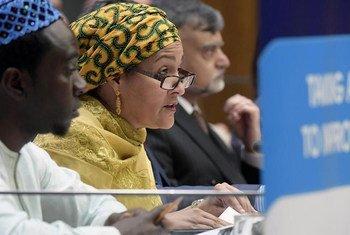 联合国常务副秘书长阿米娜・默罕默德(Amina J. Mohammed)在联合国经社理事会5月8日至10日举行的消除贫困的整体方法的会议上发表开幕致辞。