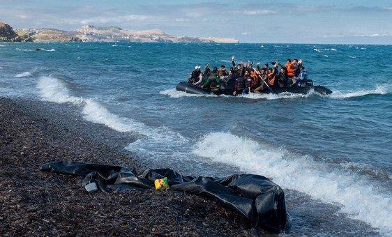 Para a diretora regional do Unicef para a Europa e Ásia Central, Afshan Khan, é inconcebível que mais uma vez a política seja priorizada em relação aosalvamento de vidas das crianças presas no mar Mediterrâneo.