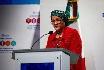 La vicesecretaria general de la ONU, Amina Mohammed, habla en la Plataforma Global para la Reducción de Riesgos de Desastres celebrada en Cancún. Foto: UNISDR